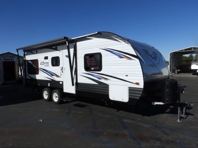 2018 Forest River SALEM 202RDXL, REAR DINETTE/SLEEPER AND SOFA/SLEEPER, FRONT WALK-AROUND QUEEN BED, POWER AWNING, POWER STABILIZER JACKS