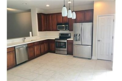 Beautiful 3 story townhome in Georgetowne