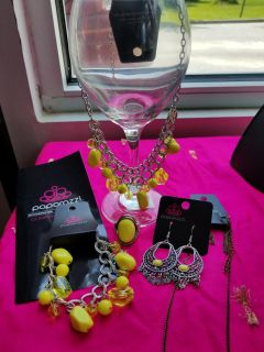 Beautiful yellow set necklace set with bracelet and ring and earrings 20.00 for the set