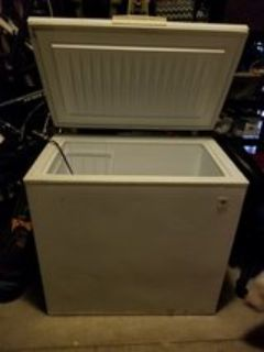 GE 7 Cu Ft Chest Freezer