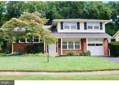 106 Larkspur Rd Newark Four BR, Classic Holiday Split located in