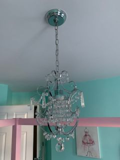 Gorgeous NEW chandelier IN BOX