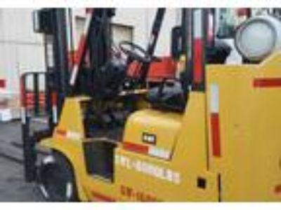2010 Caterpillar GC40KSTR-8000-lb-Propane-Forklift Equipment in Huntington