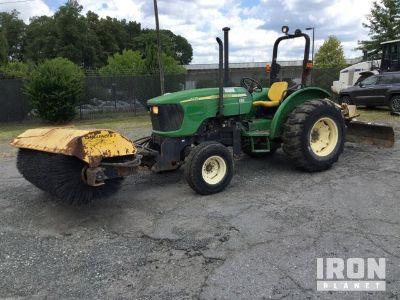 2006 John Deere 5225 Broom Tractor