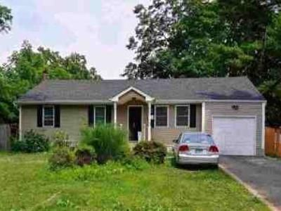 4 Bed 1 Bath Foreclosure Property in Brentwood, NY 11717 - Madison Ave