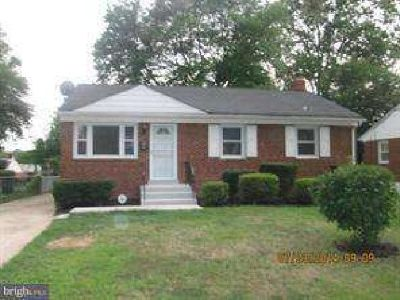 128 69th St Capitol Heights, Great brick home features 3