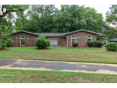 4 Bed 2 Bath Foreclosure Property in Montgomery, AL 36109 - E Moye Dr