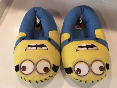 Minion Slippers Size 4-6