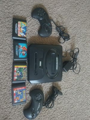 SEGA Genesis with 2 Remotes and 4 Sonic the Hedgehog Games