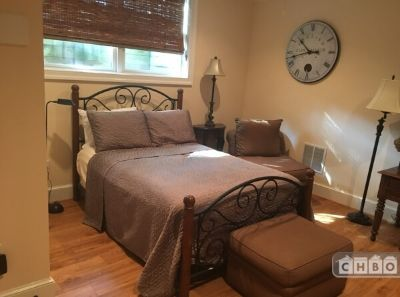 $1750 studio in Georgetown