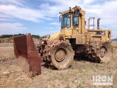 Cat 826C Landfill Compactor