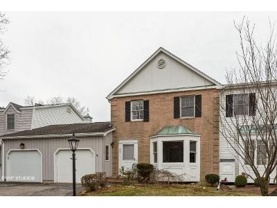 2 Bed 3 Bath Foreclosure Property in Stratford, CT 06614 - Jamestown Rd