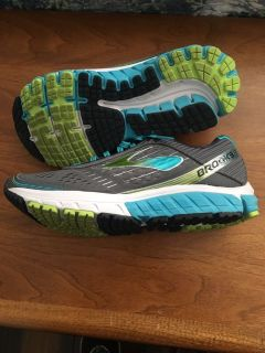 Brooks ghost 9 / size 8 / women s