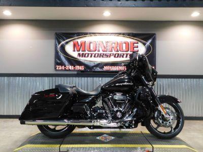 2017 Harley-Davidson CVO Street Glide Cruiser Motorcycles Monroe, MI