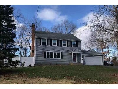 3 Bed 2.5 Bath Foreclosure Property in New Britain, CT 06052 - Roslyn Dr