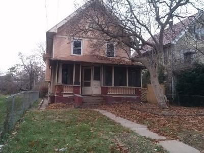 4 Bed 1 Bath Foreclosure Property in Toledo, OH 43606 - Auburn Ave