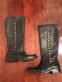 Steven Madden boots never worn. Size 6.5. Black