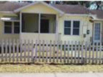 920 Sq.Ft. House For Sale In Deland, FL
