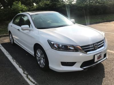 2015 Honda ACCORD SEDAN 4dr I4 CVT EX (White)