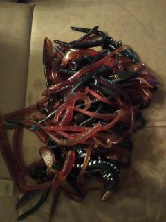 Rubber fishing worms