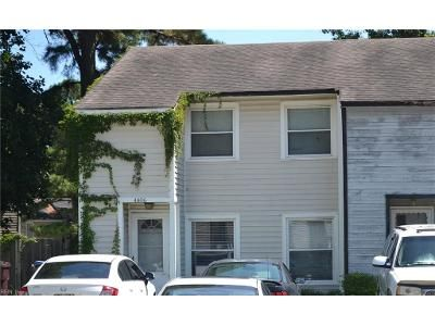 2 Bed 1.5 Bath Foreclosure Property in Chesapeake, VA 23321 - Dartmoor Ct