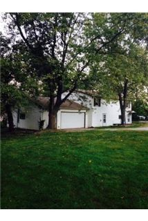 Large home on 3 acres! Park like setting