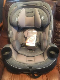 Safety 1st Grow and Go 3-in-1 Convertible Car Seat- NEW