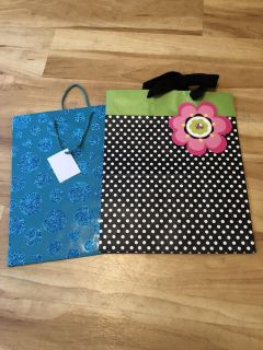 2 gift bags