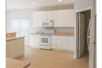 2,850 sq. ft. 3 bathrooms - ready to move in.