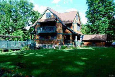 11 Central Way PURDYS Three BR, Four Gable Craftsman Colonial in