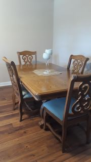 Hard wood dinning table set up to 6