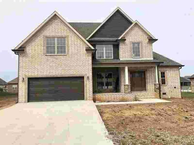 3319 Sunburst Court Bowling Green, Welcome home to this all