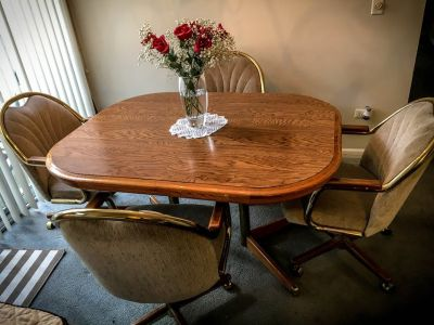DINING ROOM SET w/Swivel Chairs Moving Sale