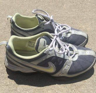 Ladies Nike Gym Shoes-Size 9