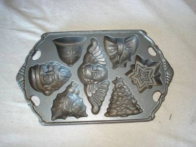 CAST IRON XMAS CANDY AND OR BAKING MOLD