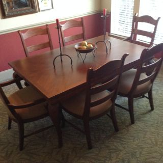 Chateau Phillipe solid Canadian maple table and 6 chairs + custom table pads