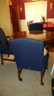 Parker Southern table with 4 chairs