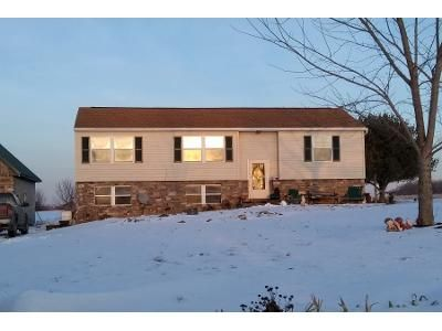 3 Bed 1 Bath Preforeclosure Property in Brogue, PA 17309 - Smith Hollow Rd