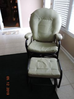 RECLINER/ROCKER/SWIVEL CHAIRS