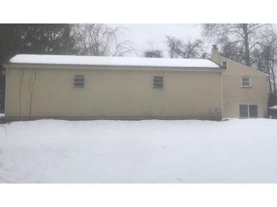 2 Bed 2 Bath Preforeclosure Property in Milford, NJ 08848 - Riegelsville Rd