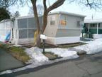 Mobile Home in Rivermeade Park For Sale!!