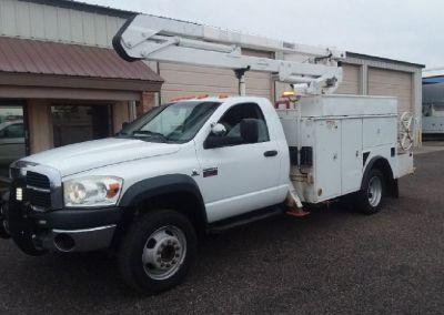 2010 Dodge 5500 *Bucket Truck* 4x4
