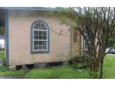 2 Bed 1 Bath Foreclosure Property in Mobile, AL 36617 - Selman St