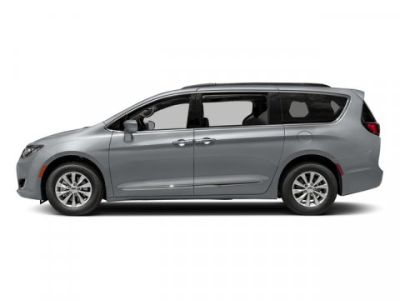 2018 Chrysler Town & Country Touring (Billet Silver Metallic Clearcoat)