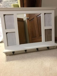 Wall hanging mirror with 4 hooks