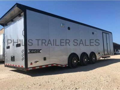 32' HAULMARK RACE TRAILER WITH NEW UPGRADED CABS Extra ht IN