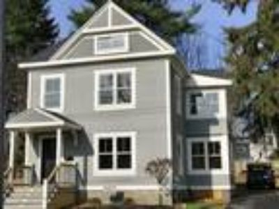Four BR/2.One BA Single Family Home (Detached) in Saratoga Springs, NY