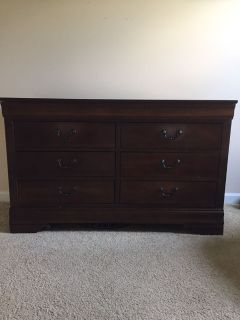 Broyhill Dresser - Great Chalk Paint Project