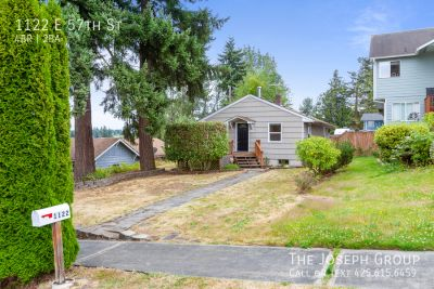 Updated 4 bedroom in Tacoma's Hillsdale District!