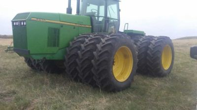 1993 John Deere 8870 for sale in Bismarck, North Dakota.